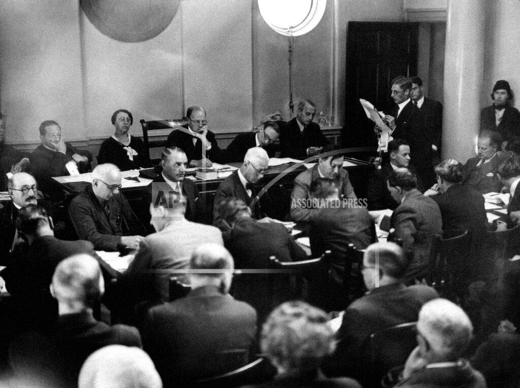 Watchf AP I   XEN GBR APHS361942 Reichstag Arson Trial