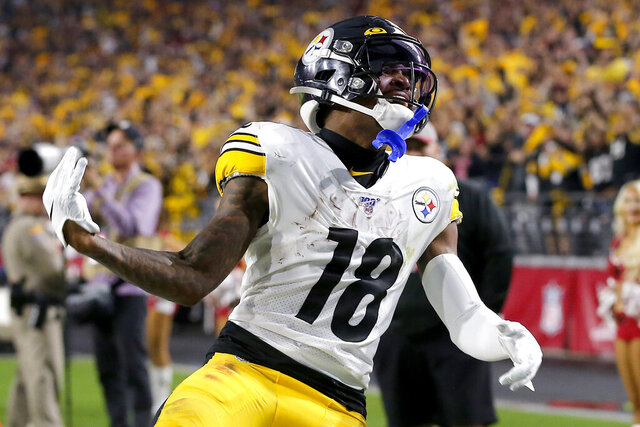 Pittsburgh Steelers wide receiver Diontae Johnson (18) celebrates his touchdown against the Arizona Cardinals during the second half of an NFL football game, Sunday, Dec. 8, 2019, in Glendale, Ariz. (AP Photo/Rick Scuteri)