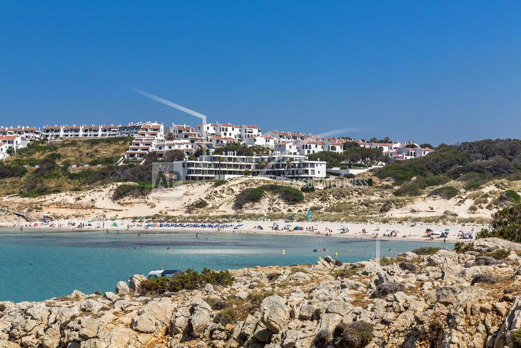 Spain, Balearic Islands, Menorca, Son Parc, Platja Arenal d'en Castell bay in summer