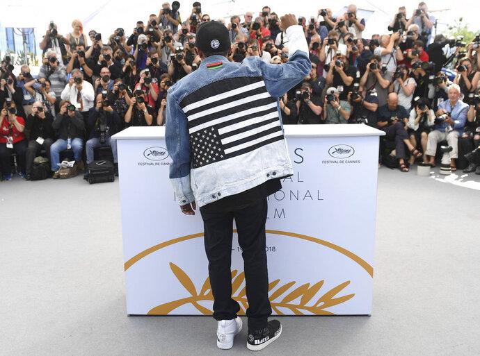 El director Spike Lee posa para los fotógrafos con motivo del estreno de su película