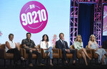 Gabrielle Carteris, from left, Brian Austin Green, Shannen Doherty, Ian Ziering, Jennie Garth and Tori Spelling participate in Fox's