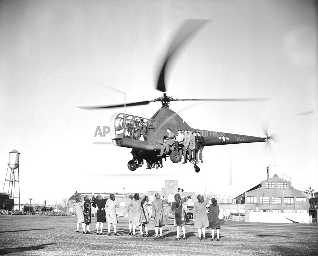 Watchf Associated Press Domestic News  Connecticut United States APHS103403 Helicopter Lifts 18