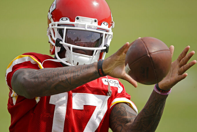 Kansas City Chiefs wide receiver Mecole Hardman catches a ball during NFL football training camp Monday, Aug. 5, 2019, in St. Joseph, Mo. (AP Photo/Charlie Riedel)
