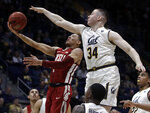 California's Grant Anticevich (34) defends against Washington State's Jervae Robinson, left, in the second half of an NCAA college basketball game Saturday, March 2, 2019, in Berkeley, Calif. (AP Photo/Ben Margot)