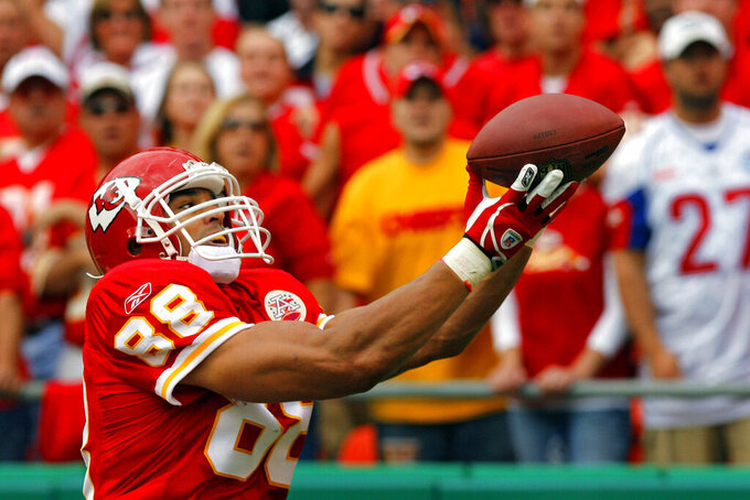 FILE - In this Oct. 14, 2007, file photo, Kansas City Chiefs tight end Tony Gonzalez hauls in his 63rd career touchdown during the first quarter of a football game against the Cincinnati Bengals in Kansas City, Mo. Gonzalez set the NFL record for touchdown catches by a tight end with the reception. Gonzalez will be inducted into the Pro Football Hall of Fame in Canton, Ohio on Aug. 3, 2019. (AP Photo/Kansas City Star, John Sleezer, File)