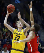 California's Connor Vanover (23) looks for a shot as Arizona's Chase Jeter, right, defends during the first half of an NCAA college basketball game Saturday, Jan. 12, 2019, in Berkeley, Calif. (AP Photo/Ben Margot)