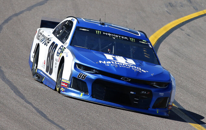 Alex Bowman drives during the NASCAR Cup Series auto race at ISM Raceway, Sunday, March 10, 2019, in Avondale, Ariz. (AP Photo/Ralph Freso)