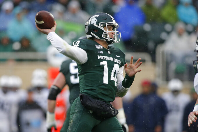 Illinois can become bowl eligible by beating Michigan State