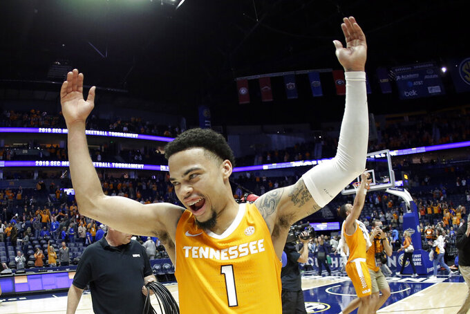 Vols need fifth-year senior Turner to emerge as team leader