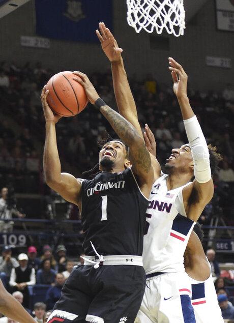 Cincinnati UConn Basketball