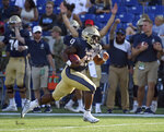 Navy's Nelson Smith runs for a touchdown in the fourth quarter against Holy Cross during an NCAA college football game, Saturday, Aug. 31, 2019, in Annapolis, Md. (Paul W. Gillespie/Capital Gazette via AP)