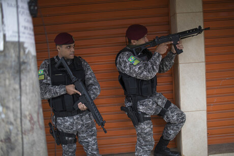 Rio Olympics Police Attacked