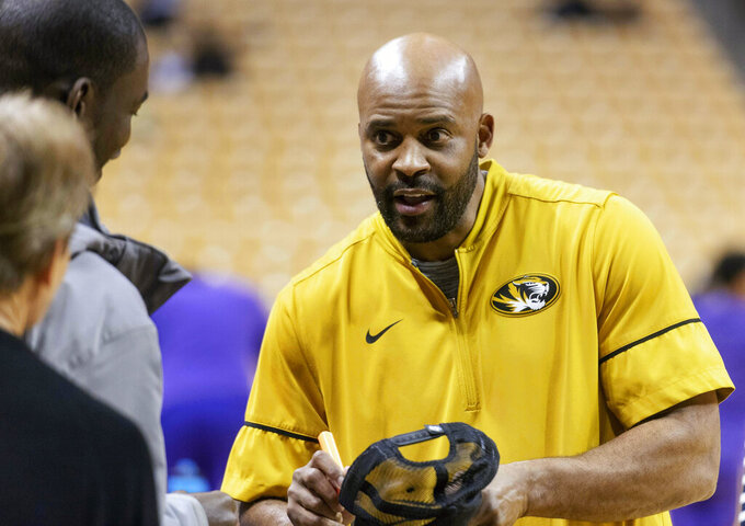 Ex-Vols coach Cuonzo Martin downplays return to Tennessee