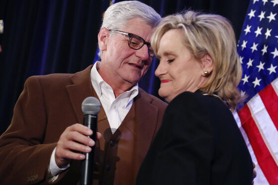 Cindy Hyde-Smith, Phil Bryant