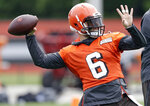 Cleveland Browns quarterback Baker Mayfield throws during an NFL football organized team activity session at the team's training facility, Thursday, May 30, 2019, in Berea, Ohio. (AP Photo/Tony Dejak)