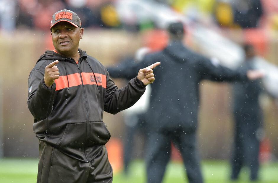 Bengals Hue vs Browns Football