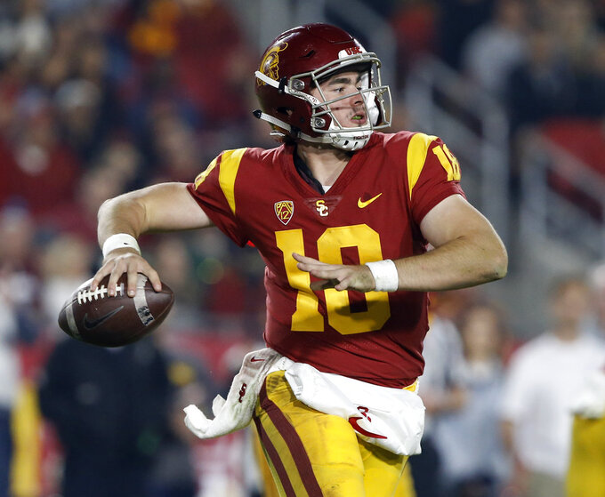 Southern California quarterback JT Daniels (18) throws a pass during the second half of an NCAA college football game against California in Los Angeles, Saturday, Nov. 10, 2018. California won 15-14. (AP Photo/Alex Gallardo)