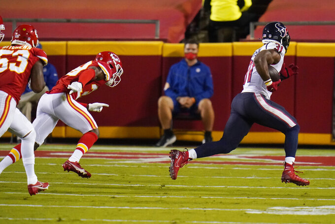 Houston Texans running back David Johnson (31) runs 19 yards for a touchdown against the Kansas City Chiefs in the first half of an NFL football game Thursday, Sept. 10, 2020, in Kansas City, Mo. (AP Photo/Jeff Roberson)