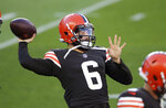 Cleveland Browns quarterback Baker Mayfield warms up for the NFL football team's scrimmage Friday, Sept. 4, 2020, in Cleveland. (Joshua Gunter/Cleveland.com via AP)