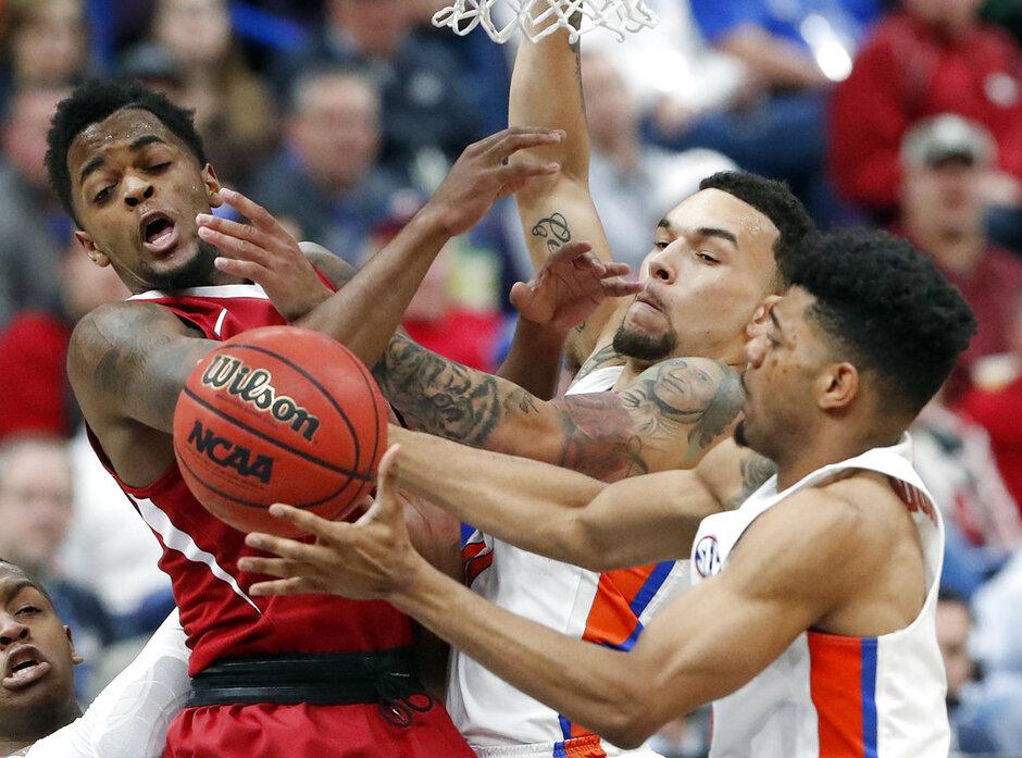 APTOPIX SEC Arkansas Florida Basketball