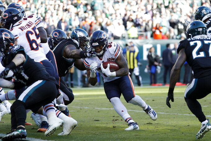 Chicago Bears' David Montgomery (32) rushes for a touchdown during the second half of an NFL football game against the Philadelphia Eagles, Sunday, Nov. 3, 2019, in Philadelphia. (AP Photo/Chris Szagola)