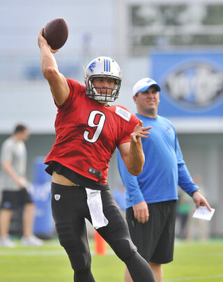 Lions Camp Football