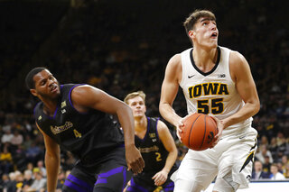 Western Carolina Iowa Basketball
