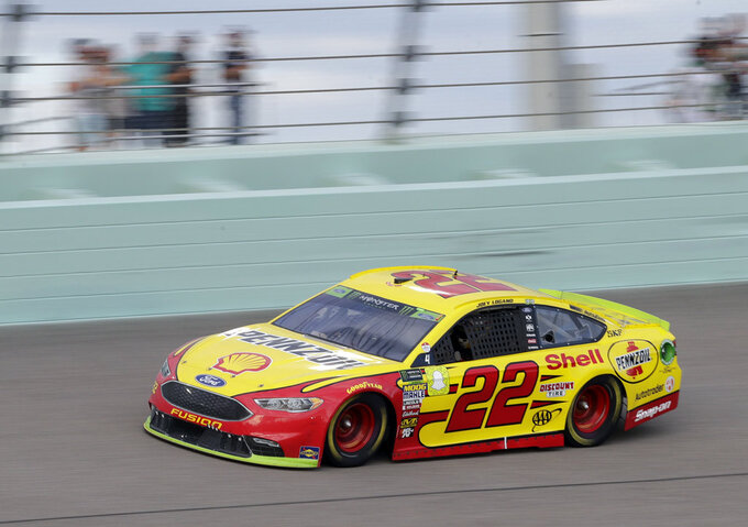 Joey Logano (22) drive son the track during the NASCAR Cup Series Championship auto race at the Homestead-Miami Speedway, Sunday, Nov. 18, 2018, in Homestead, Fla. (AP Photo/Lynne Sladky)
