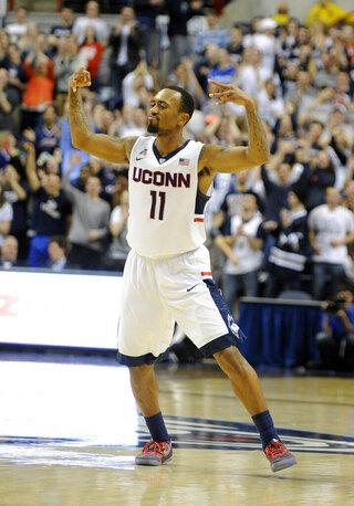 E Carolina UConn Basketball
