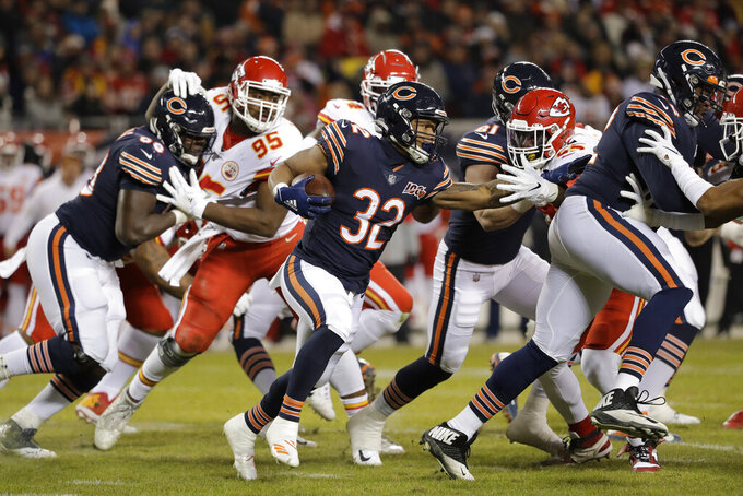 Chicago Bears running back David Montgomery (32) runs against the Kansas City Chiefs in the first half of an NFL football game in Chicago, Sunday, Dec. 22, 2019. (AP Photo/Nam Y. Huh)