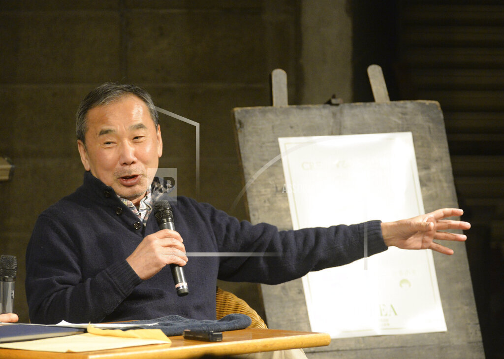 Haruki Murakami helps earthquake stricken area