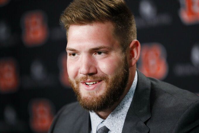 Bengals trade down, take tight end in second round