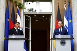 German Foreign Minister Heiko Maas and Israeli Foreign Minister Gabi Ashkenazi attend a news conference in front of the Liebermann Villa at the Wannsee lake in Berlin, Germany, August 27, 2020. (Michele Tantussi/Pool Photo via AP)