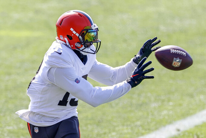 Cleveland Browns wide receiver Odell Beckham Jr. catches a pass during a joint NFL football training camp practice with the New York Giants, Friday, Aug. 20, 2021, in Berea, Ohio. (AP Photo/Ron Schwane)