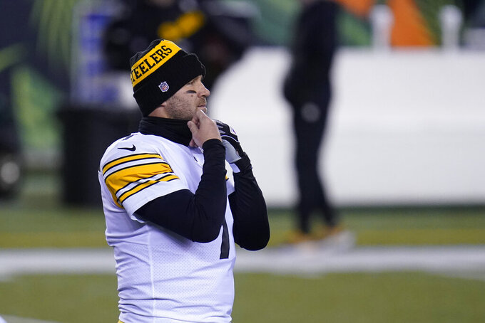 Pittsburgh Steelers quarterback Ben Roethlisberger warms up before an NFL football game against the Cincinnati Bengals, Monday, Dec. 21, 2020, in Cincinnati. (AP Photo/Michael Conroy)