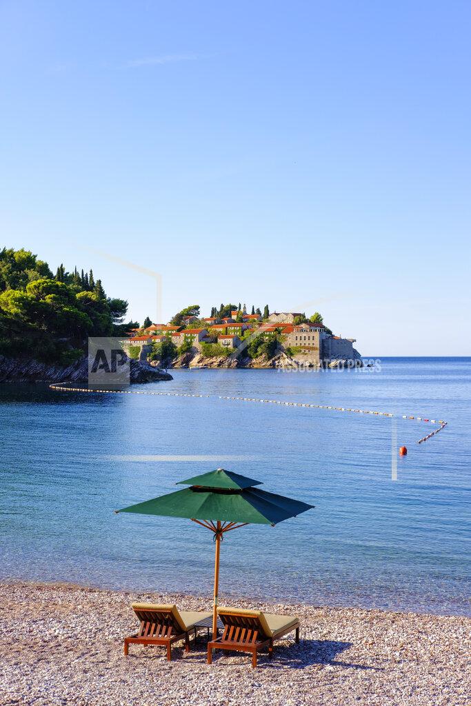 Montenegro, Adriatic Coast, near Budva, Milocer, Sveti Stefan Island
