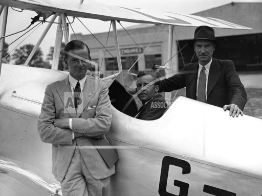 England Pilots De Haviland Family