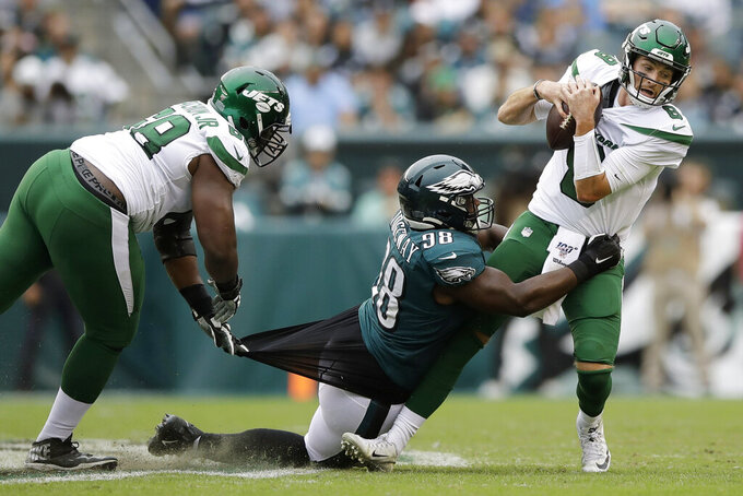 Jets totally overwhelmed by the Eagles in 31-6 loss