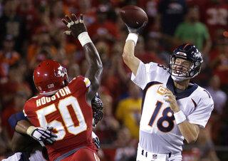Justin Houston, Peyton Manning