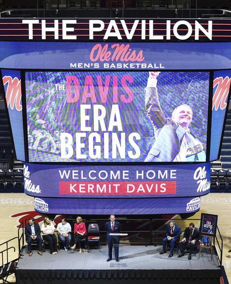 Mississippi Davis Basketball