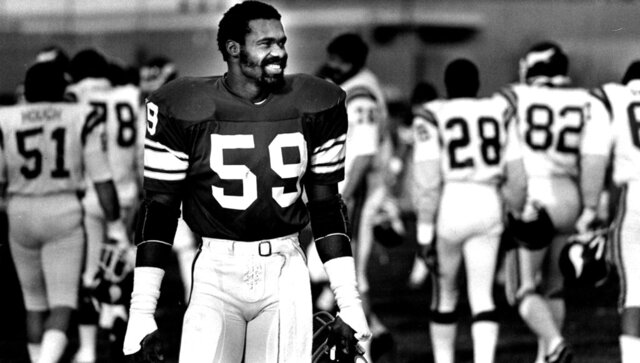 FILE - This Nov. 17, 1982 photo shows Minnesota Vikings Matt Blair.  Blair, one of the great linebackers in Minnesota Vikings history and a six-time Pro Bowler who played in two Super Bowls, has died. He was 70 years old.  Blair, who had been suffering from dementia, died Thursday, Oct. 22, 2020 after an extended period in hospice care, according to the Star Tribune.  (Bruce Bisping/Star Tribune via AP)