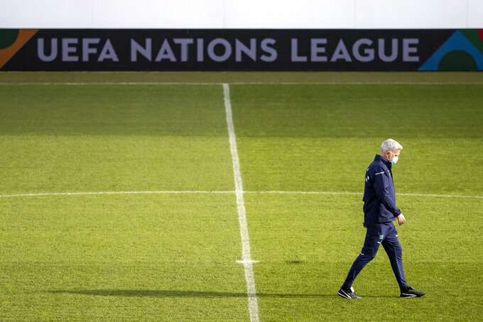 Switzerland's head coach Vladimir Petkovic during a training session of the national soccer team of Switzerland, one day before the UEFA Nations League soccer match between Switzerland and Ukraine at the Swissporarena in Lucerne, Switzerland, on Monday, Nov. 16, 2020. (Alexandra Wey/Keystone via AP)
