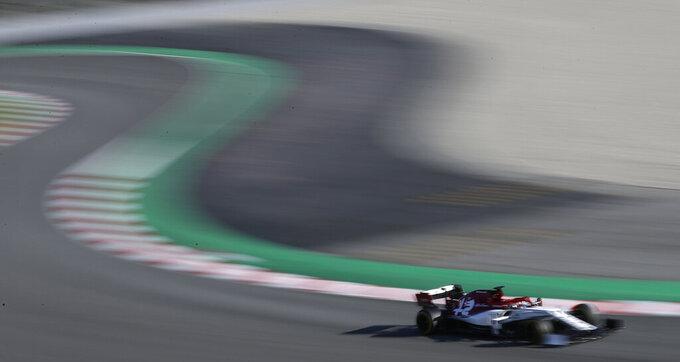Vettel makes strong start to F1 preseason for Ferrari