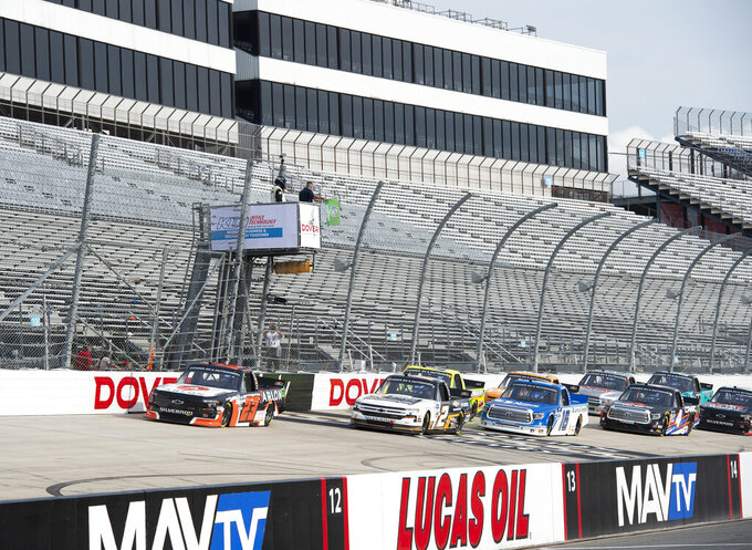 Smith wins at Dover for 2nd NASCAR Truck victory in 3 races