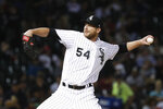 Chicago White Sox starting pitcher Ross Detwiler delivers during the third inning of the team's baseball game against the Cleveland Indians on Wednesday, Sept. 25, 2019, in Chicago. (AP Photo/Charles Rex Arbogast)