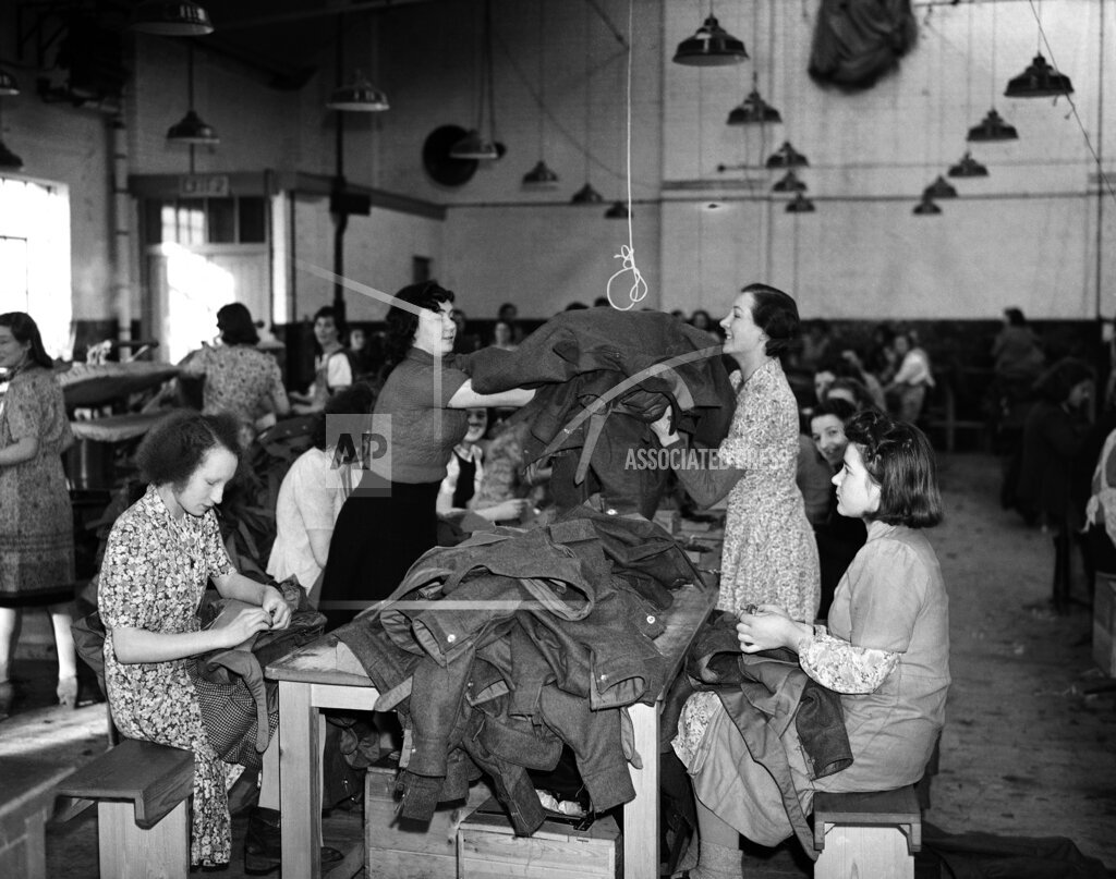 Watchf AP I   XEN APHSL21300 WWII England Army Clothing Factory