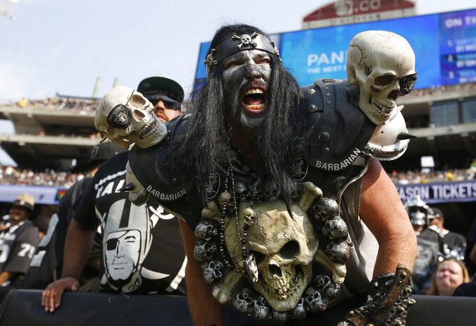 NFL At 100: Raiders' slow exit from Oakland painful for fans