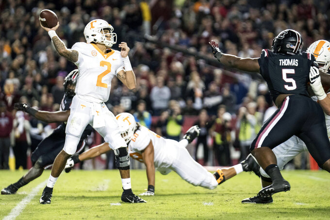South Carolina rallies from 12 down to beat Vols 27-24