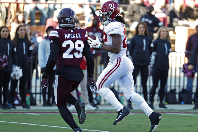 Mac Jones leads No. 5 Alabama against Western Carolina