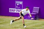 Jack Draper of Britain returns to Alexander Bublik of Kazakistan during their singles tennis match at the Queen's Club tournament in London, Wednesday, June 16, 2021.(AP Photo/Alberto Pezzali)